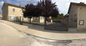 Nouvelles grilles de la cour d'école à Bienville